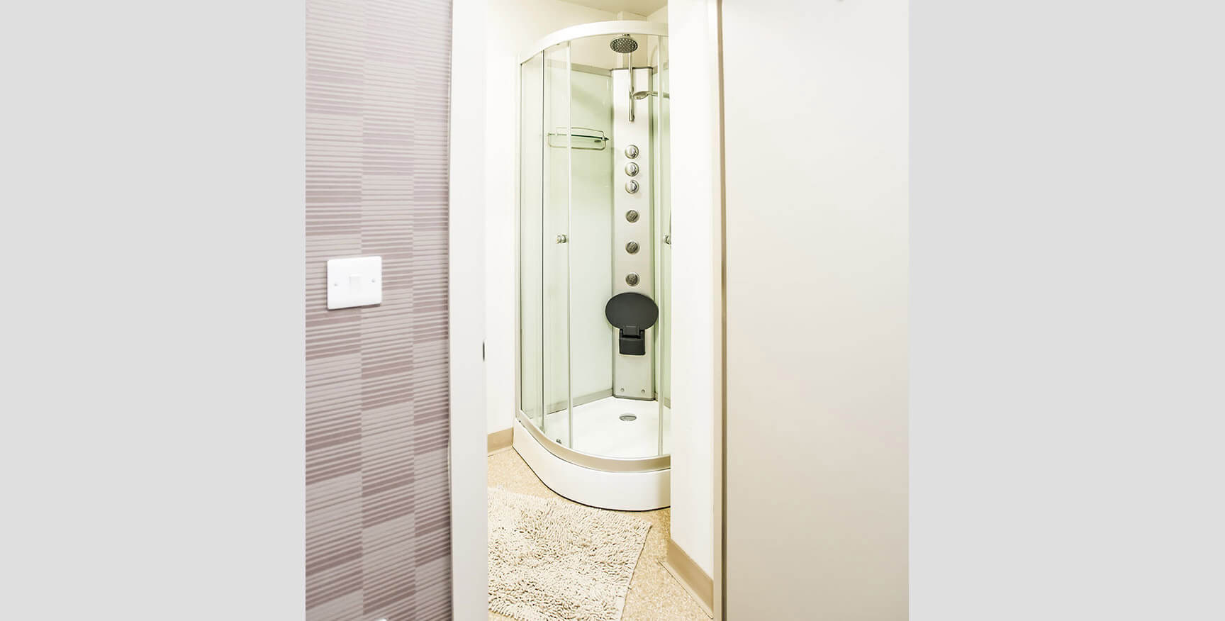 Alexandra House - Luxury Student Accommodation Sheffield (bathroom view)